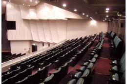 アニメ系ミュージカルの聖地・日本青年館でコスプレイベント ステージ・楽屋で撮影可能 画像