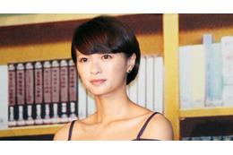映画「図書館戦争」完成披露会見 岡田准一と榮倉奈々が図書隊に挑む 画像