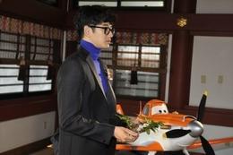 「プレーンズ」大ヒット、安全飛行祈願イベント 日本語吹替初挑戦の瑛太も登壇 画像