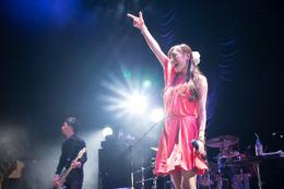 11月公開「楽園追放」にELISAが参加 ライブツアー最終日にサプライズ発表 画像