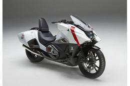 「シドニアの騎士」がホンダ二輪車「NM4-02」コンセプトモデルに 東京オートサロンに展示   画像