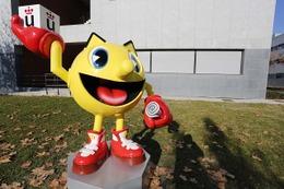 パックマンの彫刻がスペインの大学構内に設置 ゲーム産業への業績讃える
