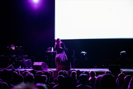 Aimer、ドイツ・ベートーベンホールで2500人を魅了2015年2回目の海外ライブも大成功
