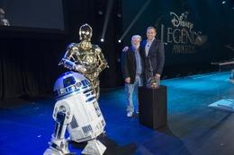 ジョージ・ルーカスがディズニー最大のファンイベント「D23 EXPO」に登場、R2-D2&C-3POも