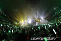 デビューから8年、ついに初音ミクが武道館に「マジカルミライ 2015」初日ライブレポート