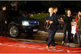 スタジオジブリが釜山国際映画祭でアワード受賞 鈴木敏夫氏がレッド・カーペットに登場