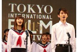 映画「桜ノ雨」が東京国際映画祭で合唱イベント ボカロの名曲が六本木に響く  画像