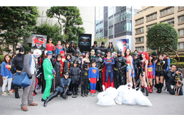 バットマン、スーパーマンがゴミ拾い DCヒーローがハロウィンで応援