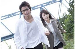 映画「僕だけがいない街」、公開は2016年3月19日に決定 藤原竜也と有村架純が走る 画像
