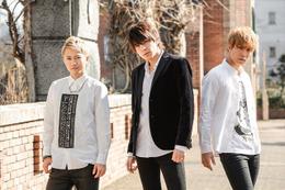 """ジョジョ第4部主題歌に「Crazy Noisy Bizarre Town」 男性3人新ユニット""""THE DU""""が歌う 画像"""