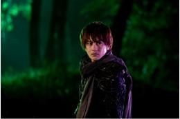 2013年初春公開「牙狼~蒼哭ノ魔竜~」 特典付き前売券第1弾はICカードケース 画像