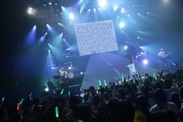 やなぎなぎ、9公演のワンマンツアースタート 最新アルバムを中心に「旅」を表現