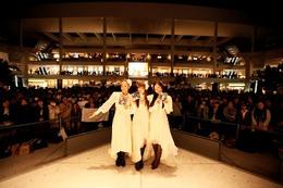 Kalafina 劇場版「まどか☆マギカ」主題歌をライブで披露  画像