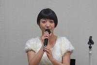 片岡あづささん「声優になりたい気持ちを内に秘めている子もいるはず」と話す。