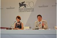 左)瀧本美織さん、右)スタジオジブリ星野康二代表取締役社長 ヴェネチア国際映画祭Palazzo del Casino