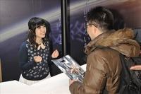 「エンダーのゲーム」佐藤聡美と白石涼子がコミケ参戦 初日完売の大盛況 画像