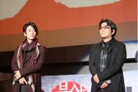釜山国際映画祭にて。左:佐藤健さん、右:大友啓史監督