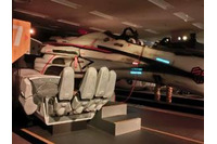 「マクロス超時空展覧会」©2012 ビックウエスト