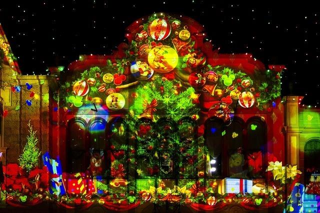 思わず胸躍るディズニークリスマスからマッピング映像カット早出し