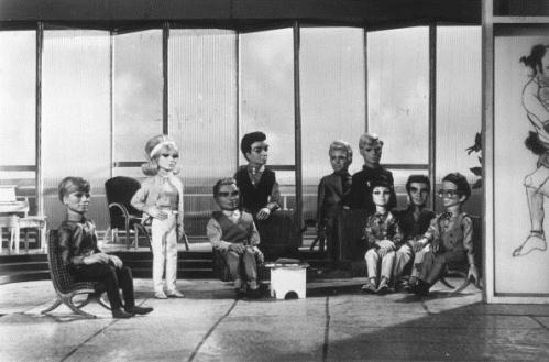 1965年『サンダーバード』。The Tracy family of Gerry Anderson's television series 'Thunderbirds' operate the International Rescue service. (Photo by Larry Ellis/Getty Images)