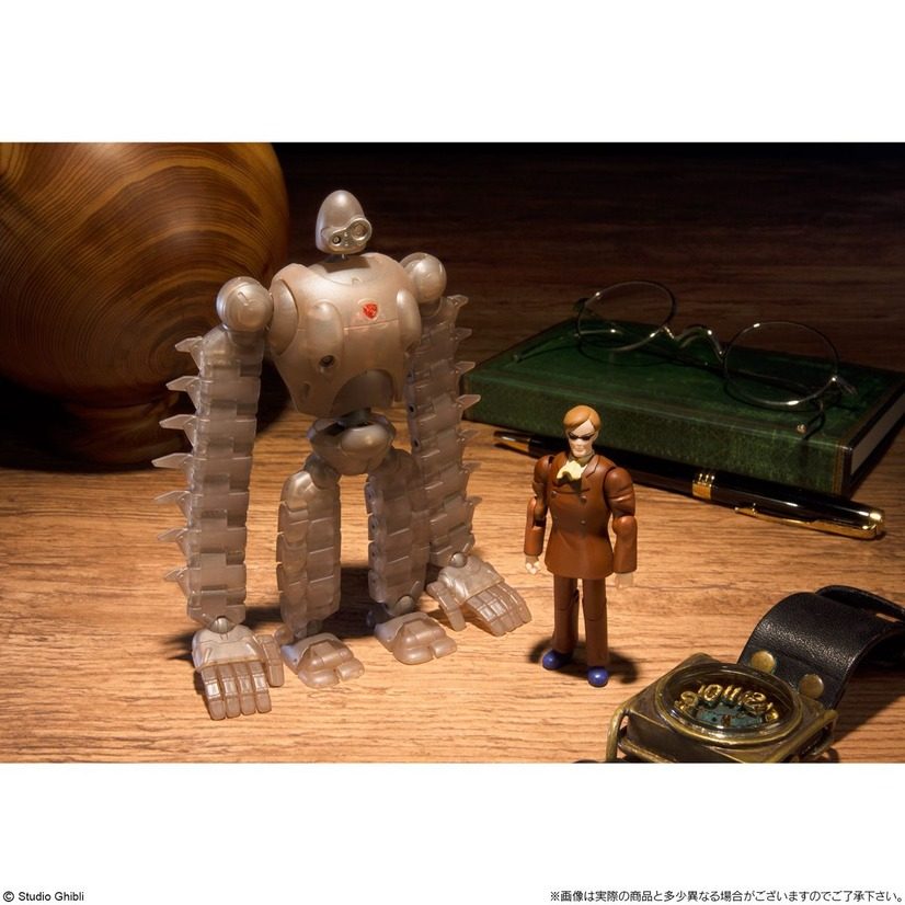 「ロボット兵 FULL ACTION Ver.(MECHANICAL CLEAR)&ムスカ FULL ACTION Ver.」8,100円(税込)(C) Studio Ghibli