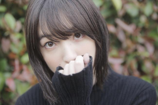 萌え袖の上田麗奈