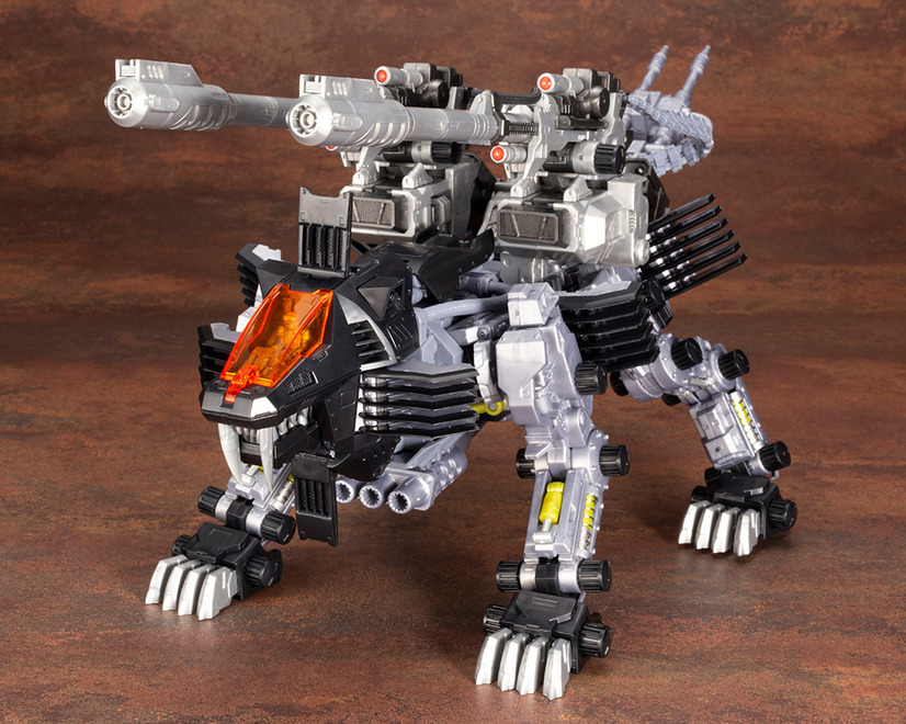 「RZ-007 シールドライガーDCS-J」7,800円(税抜)(C) TOMY ZOIDS is a trademark of TOMY Company,Ltd.and used under license.