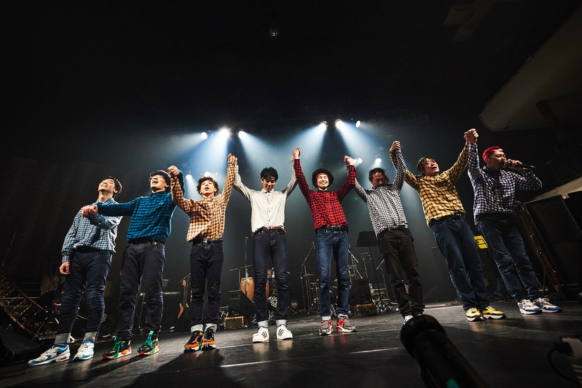 「THE REAL AKIBA BOYZ ONEMAN LIVE-SUPER FRESH BAND LIVE-」ステージの様子 写真/AYATO.