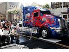 トランスフォーマー オプティマスがハリウッドの殿堂入り 足跡でなく「タイヤ跡」を刻む
