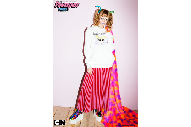 「THE POWERPUFF GIRLS STORY SWEAT PARKA」12,800円(税抜)TM&(c)Cartoon Network.(s17)
