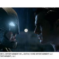 「バットマン vs スーパーマン」約3分半の壮絶バトル コミコン特別映像を公開 画像