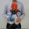 「ギガンティックシリーズ ドラゴンボールGT ゴジータ(スーパーサイヤ人4)」14,300円(税込)(C)バードスタジオ/集英社・東映アニメーション