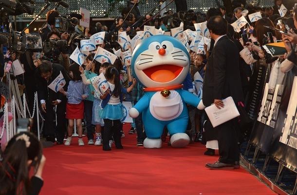 ドラえもんも東京国際映画祭で大活躍!レッドカーペットに登場、CG版の英語上映も