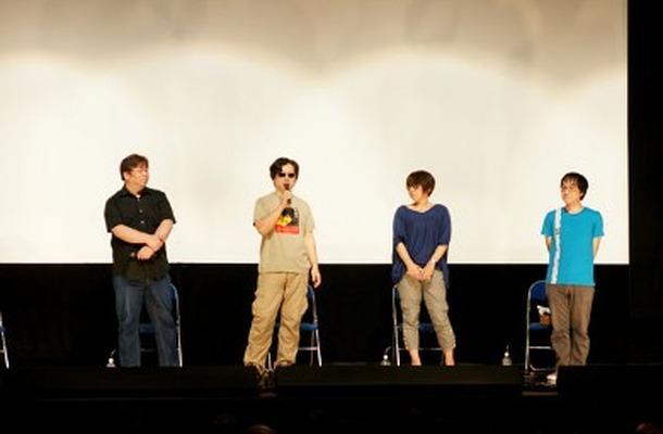 左から川元利浩さん、渡辺信一郎監督、信本敬子さん、佐藤大さん