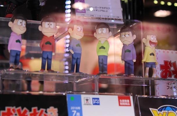 """JAEPOのエイコーブース、「おそ松さん」や""""パズドラ""""等人気キャラのフィギュアがずらり!"""