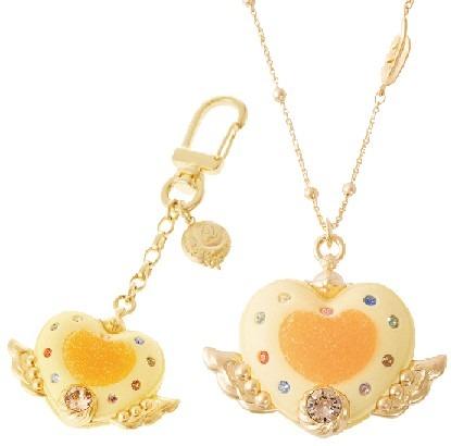 エターナルムーンアーティクルマカロン/キーホルダー14,040円、 ネックレス16,200円(C) T・P・T (C)Naoko Takeuchi (C) Gramme Co.
