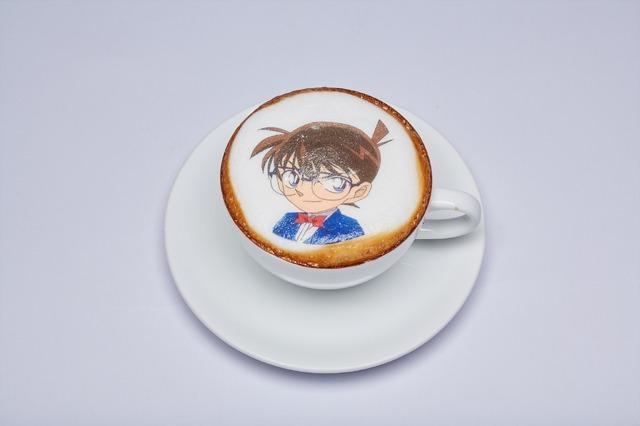 「Detective Conan Cafe in Bangkok」名探偵コナン ホットラテ(C)Gosho Aoyama/1996,2018 Shogakukan, YTV, TMS(C)2018 GOSHO AOYAMA/DETECTIVE CONAN COMMITTEE All Rights Reserved