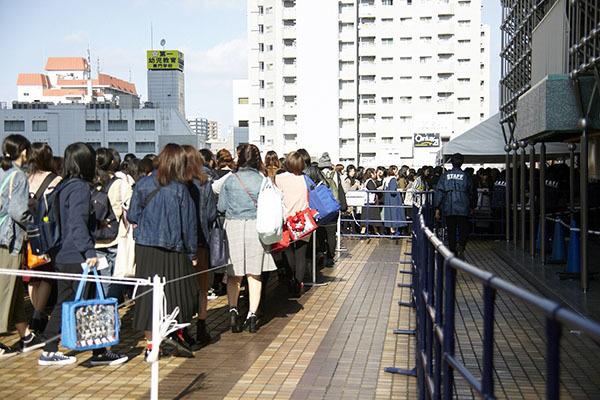 「アニメイトガールズフェスティバル2018」メイン会場 入場待機列の様子