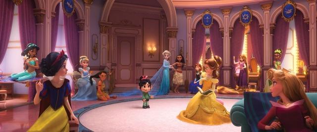 『シュガー・ラッシュ:オンライン』ディズニープリンセス(C)Disney. All Rights Reserved.