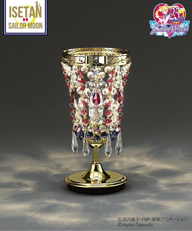 「美少女戦士セーラームーン×ISETAN 2019」Moon Gorgeous Table Lamp 170,640 円(税込)(C)武内直子・PNP・東映アニメーション(C)Naoko Takeuchi