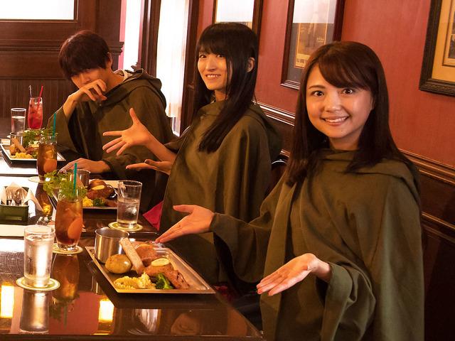 『進撃の巨人・ザ・リアル』(左から)梶裕貴さん、藤田咲さん、三上枝織さん