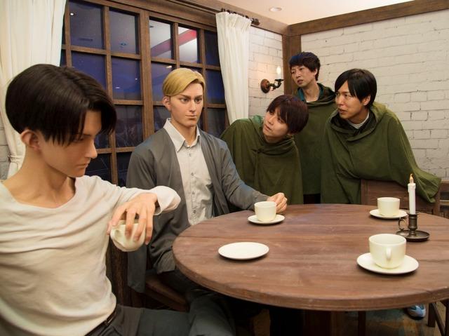 『進撃の巨人・ザ・リアル』クロノイドに感動する3人 (左から)梶裕貴さん、橋詰知久さん、神谷浩史さん