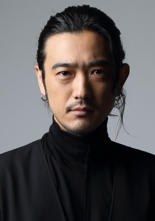 「モンテ・クリスト伯爵役:谷口賢志」