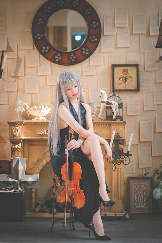AK12(Concert Ver.)『ドールズフロントライン』/撮影:Liky