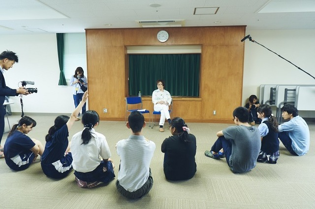 「声の力」プロジェクト」第一弾「プロ声優による盲学校への出張授業」