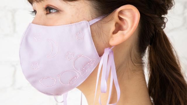 「リボン付きマスク」2,200円(税込)(C)'21 SANRIO 著作(株)サンリオ
