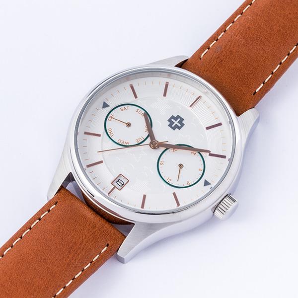「高坂桐乃モデル 腕時計」18,800円(税別)(C)伏見つかさ/アスキー・メディアワークス/OIP2