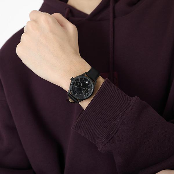 「黒猫モデル 腕時計」18,800円(税別)(C)伏見つかさ/アスキー・メディアワークス/OIP2