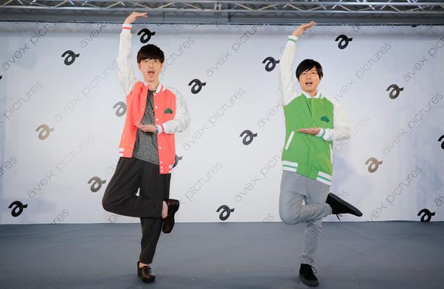 櫻井孝宏&神谷浩史/エイベックス・ピクチャーズブースステージにて(C)赤塚不二夫/おそ松さん製作委員会
